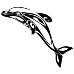 tatuaggio delfino bianco nero