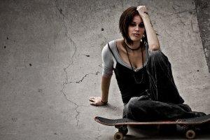 Skater_girl_by_tatareen